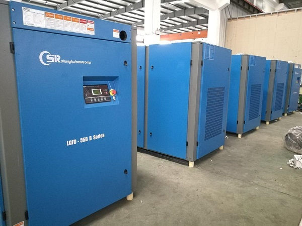 Shipping our high-end 75HP EVO screw compressor and 75HP High-temp air dryer 1